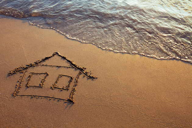 Dealing With Water Damage in a Beachfront Property in Hawaii